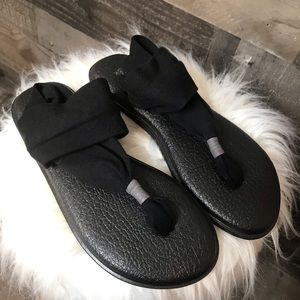 Sanuk Black Yoga Sling Sandals